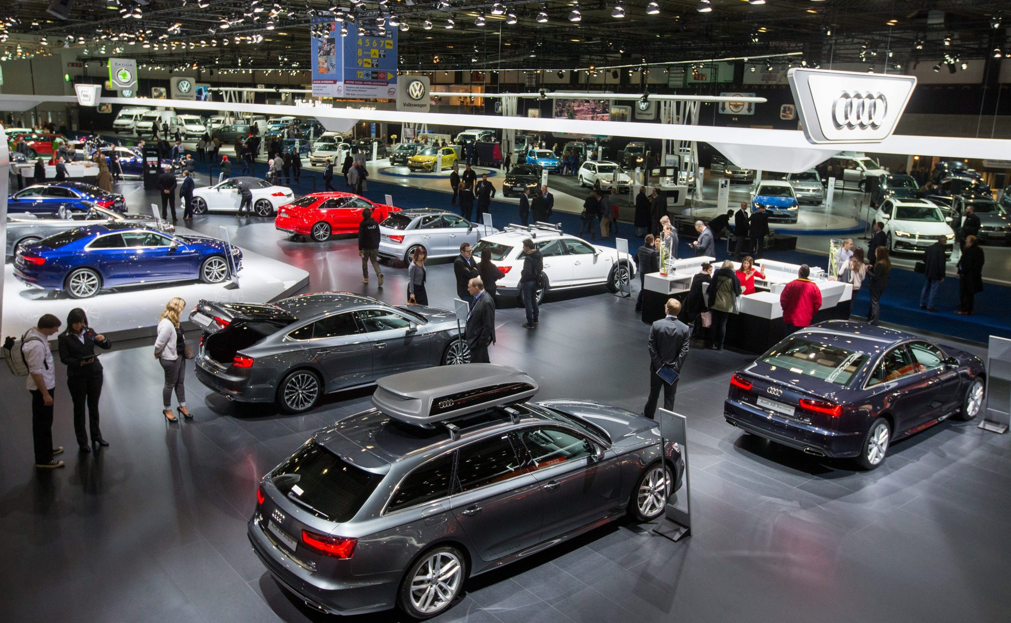 epa05715050 An elevated view of the Audi showroom at the Brussels Motor Show in Brussels, Belgium, 13 January 2017. The motor show will run from 14 to 22 January. EPA/STEPHANIE LECOCQ ORG XMIT: BRU01